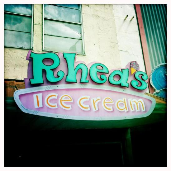 rhea's logo